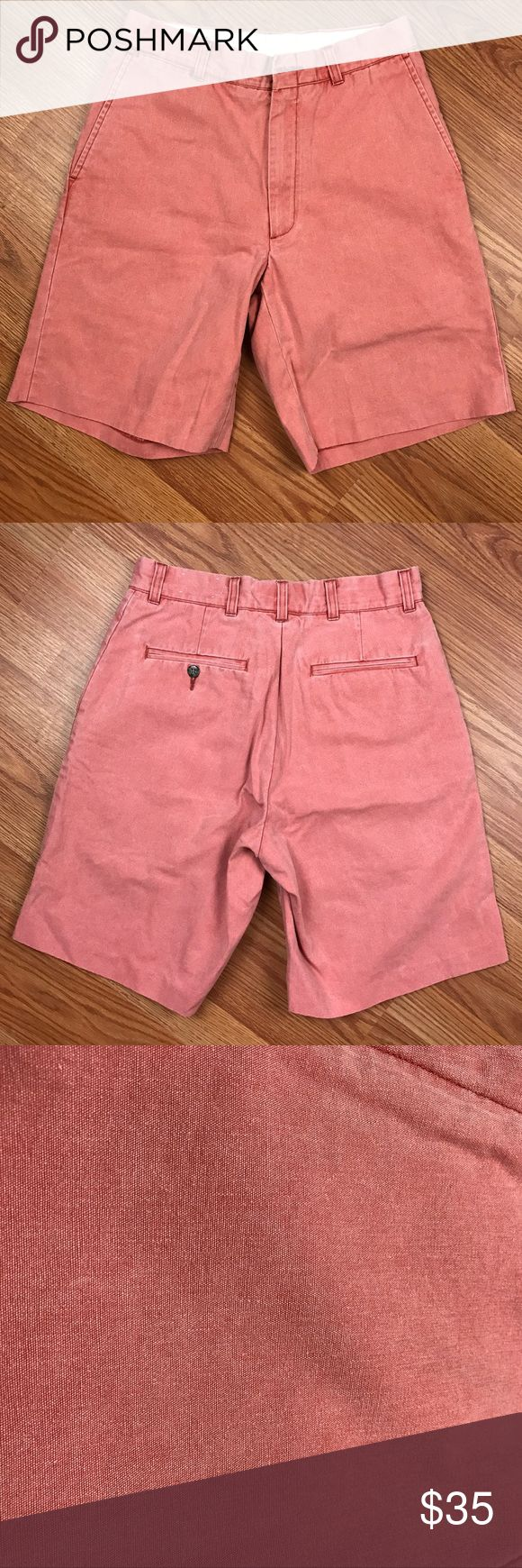 "Murray's Toggery Shop Bermuda Shorts Murray's Toggery Shop Nantucket Reds collection Men's plain front Bermuda shorts.  Size 30  Waist (laying flat) 14""  Inseam 9 1/2""  Rise 11"" Murray's Toggery Shop Shorts Flat Front"