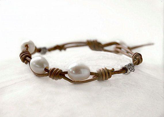 Leather & pearl bracelet white pearl bracelet от JudysDesigns
