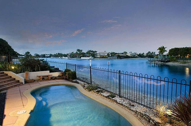 Book this holiday house in Cotton Tree: HomeAway ID 9173332 The photos tell the story $750 minimum 3 nights in Low Rate only. $1250pw Low Rate $1500pw Mid-Rate $2000pw High Rate $2500pw Peak Rate *Four large bedrooms with walk in robes and water views (sleeps 8) *Three bathrooms (two ensuites) *Separate study/office *Two living areas *In ground pool and outdoor entertaining area with table and chairs *Double lock up garage *Ideal waterfront...