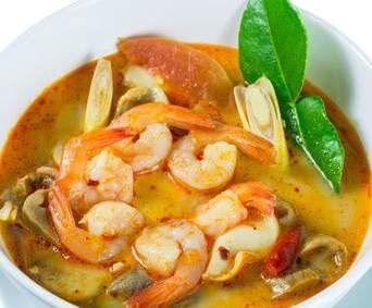 Thai Tom Yum Suppe mit Garnelen