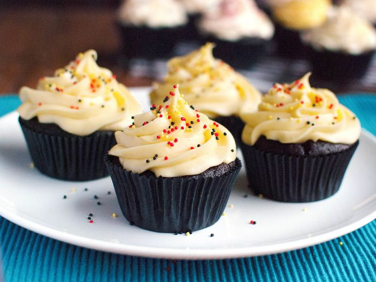 Most home bakers are familiar with making buttercream. It's smooth, creamy and it tastes amazing spread over cake, piped onto cupcakes, or smushed between two cookies. However, there are actually six different kinds of buttercream! Read on to see how they compare...