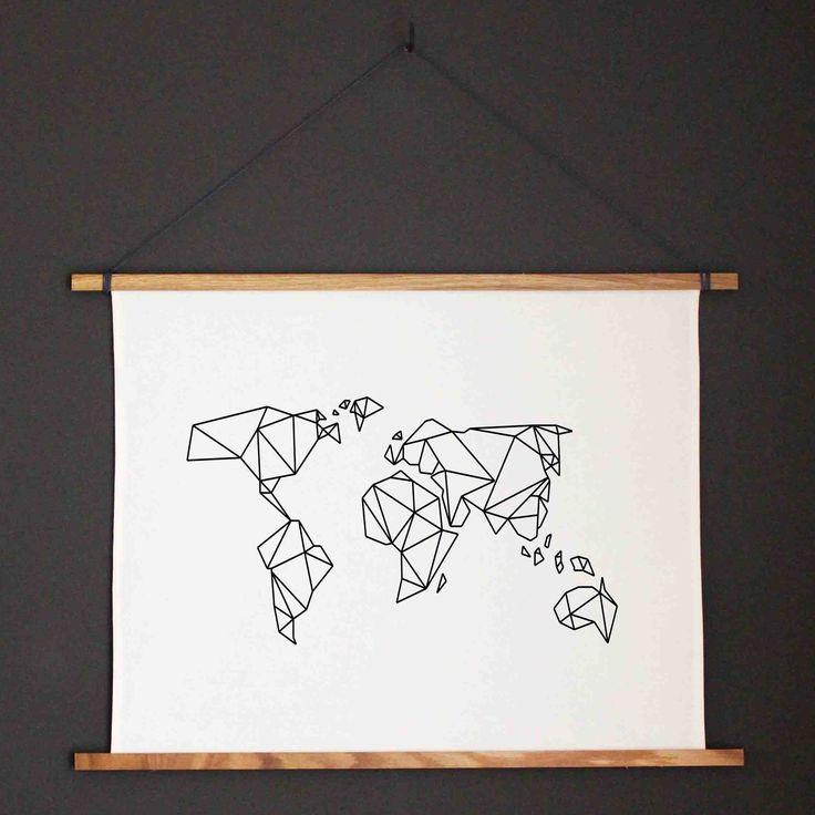 kunstdruck weltkarte mit holzleiste poster aus stoff mit leiste kommt ohne rahmen und leinwand. Black Bedroom Furniture Sets. Home Design Ideas