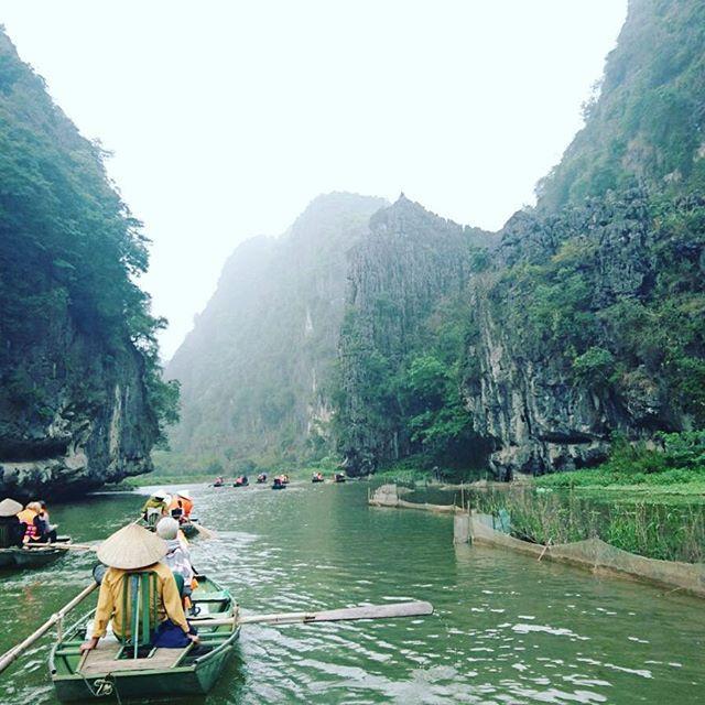 📍Tam Coc - the on land Halong Bay #tamcoc #tamcocriver #onlandhalongbay #halongbay #ninhbinh #vietnam #vietnamese #travelgram #photographer #photography #travelphotography #travel #travelbug #traveling #travelers #travelblog #travelblogger #boats #rowboats #river by (rachelfawke). travelgram #travelbug #tamcocriver #vietnam #travelblogger #ninhbinh #travelers #rowboats #photographer #river #boats #travel #photography #halongbay #onlandhalongbay #tamcoc #vietnamese #travelblog…