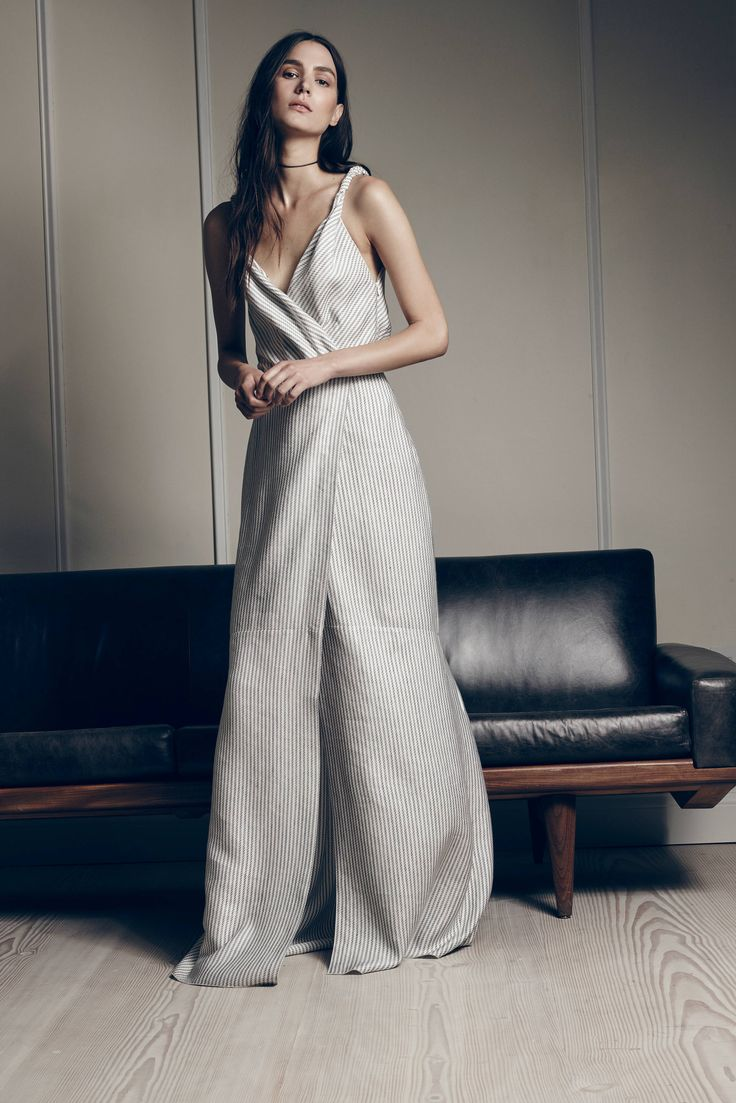 Hellessy Spring 2016 Ready-to-Wear Collection Photos - Vogue   http://www.vogue.com/fashion-shows/spring-2016-ready-to-wear/hellessy/slideshow/collection#18