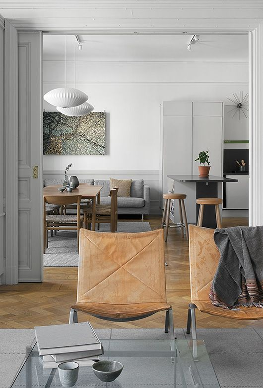 Living Room ǁ Fritz Hansen products: PK22™ by Poul Kjærholm
