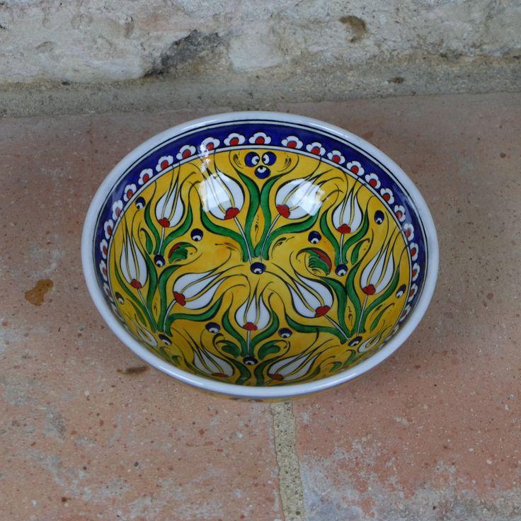 #Bol #jaune en céramique au design #ottoman