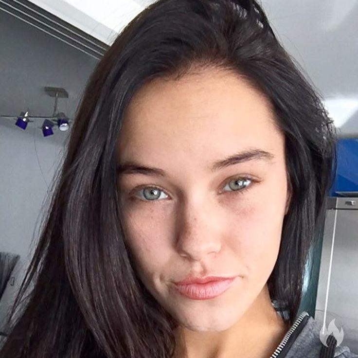 Megan Rain 21 Years Old  Female  Adult Video Star -7851
