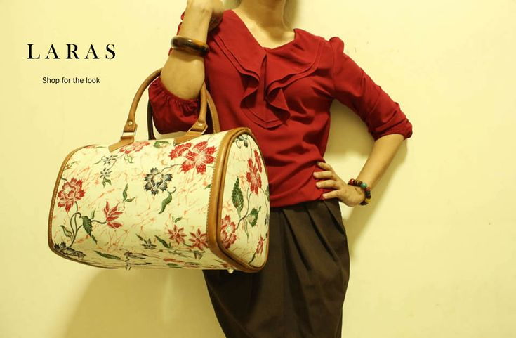 Laras Bowler Bag with wrapped in Pekalongan batik cloth. IDR 350000, already sold out.