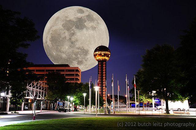 Sunsphere Moonsphere Erected For The 1980 World S Fair In