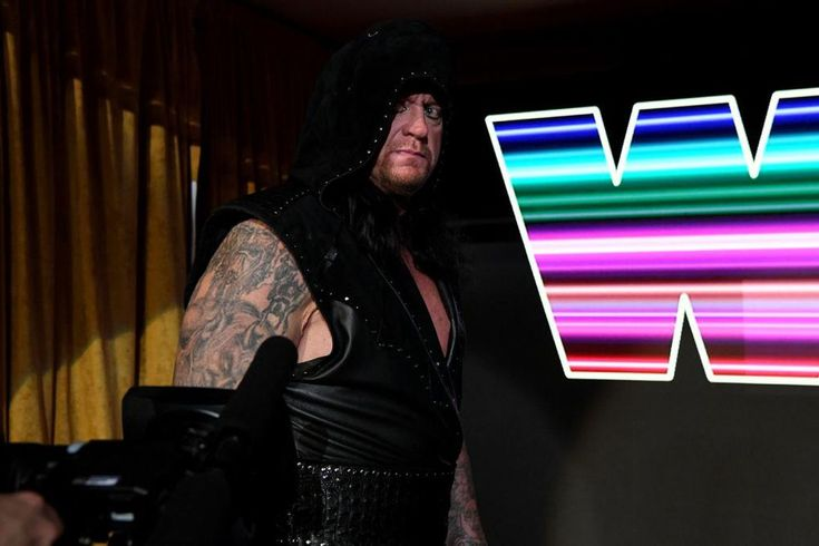 Undertaker's return promo at Raw 25 made no sense: Undertaker returned to television for the first time since April 2017 at Raw 25, and cut…