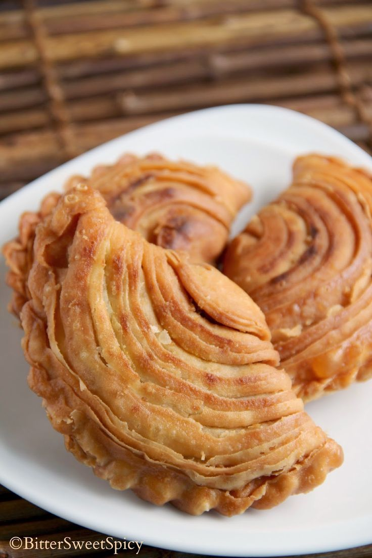 Spiral Curry Puffs @ BitterSweetSpicy