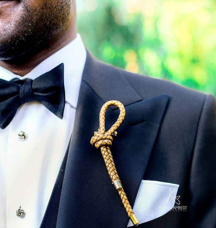 💗🎩💗 #Groom #Wedding Trends: Boutonnieres  1. The Knotted #Boutonniere. {Designer: IG: bb.mahogany}   #PutARingOnIt 💎💍  #swag #classicman #musthave #mensfashion #menswear #couture #married #dapper #suit