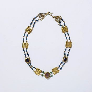 Roman Amethyst, Emerald, Blue Glass and Gold Necklace c.3rd Century.  Victoria & Albert Museum Collection.