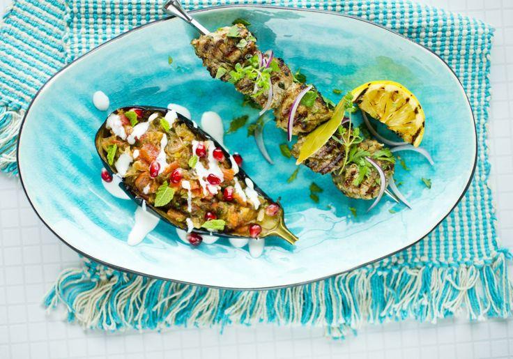 Fylte auberginer med gresk mynte-dressing - Godt.no - Finn noe godt å spise