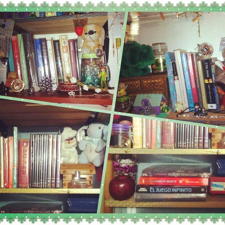 Empezando el Reto literario de 30 días 30 fotos... Día 1: foto de tu estantería...  no tengo estantería más bien tengo repisas donde están mis libros... #30dias30fotosreto #TheCatinthemailbox #litblogger #desafio