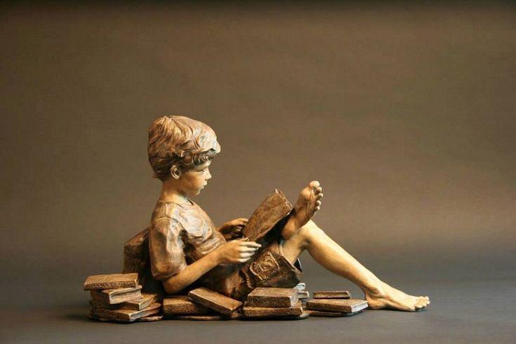 A könyvekből (a digitális könyvekből is) minden gyermek mindent elolvashat… de ki mondja meg, hogy mit olvassanak el a végtelennek tűnő könyvtárakból, meg egyáltalán miért olvassanak el bármit is… a felnőtteknek össze kell kapniuk magukat, mert ez az egyik nagy felelősség… (Németh György)
