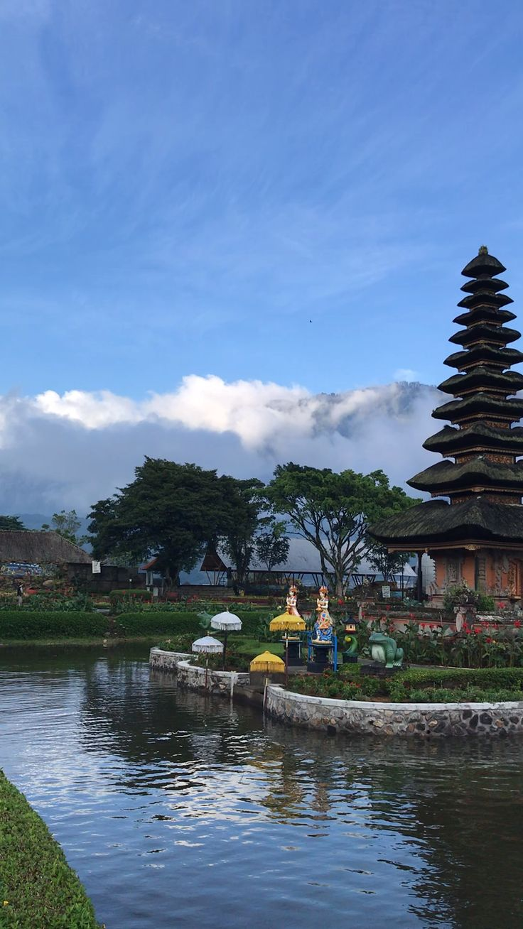 13 Places You MUST Visit In Bali: #3: Temple On The Lake