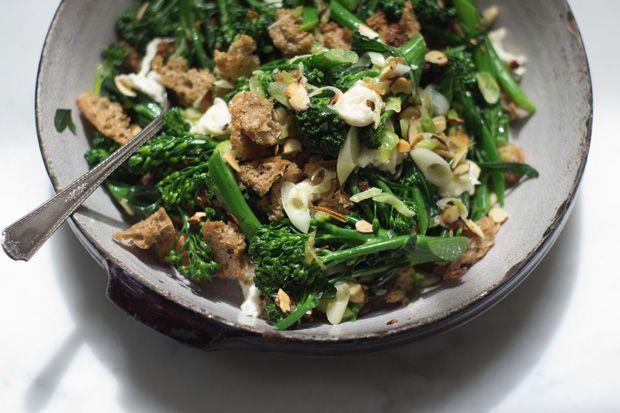 broccolini salad: Chocolates Trifles, Fun Recipes, Salad Recipes, Tomatoes Soups, Broccolini Salad, Easy Dinners, 101Cookbook, Food Blog, Favorite Recipes