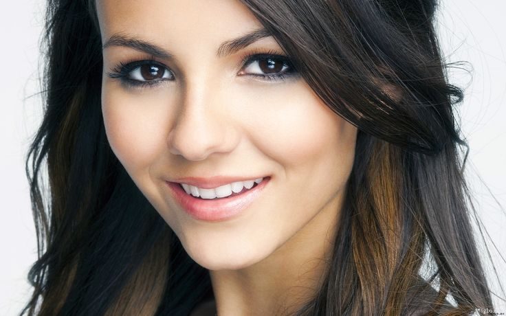 Sahara Kyriakus  (if she had midnight blue eyes! LOL)Babes Boards, Brown Eye, Beautiful, Victoria Justice, Blue Eye, Celebrities Categories, Brown Hair, Green Eye, Actresses