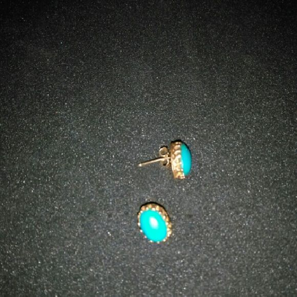 14k gold earrings Beautiful 14 k earrings. As gold prices rise so will the price due to what I would get for as scrap gold. Don't really want to scrap them. They are too beautiful. Jewelry Earrings