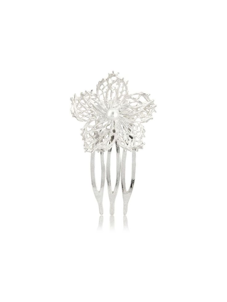 Hafey hairpieces Material: 925 silver In the depths of the sea grow hardy yet delicate plants. Sturdy threads form a fine-spun mesh and pattern. It is from them that Hafey derives its shape and strength. #wedding #AurumByGudbjorg #hairpieces