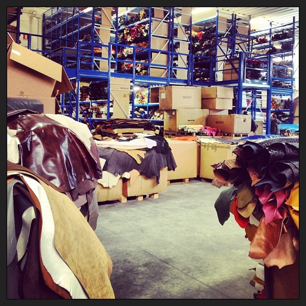 Vangle's leather laboratories:)   Choose the colors for the next collection!!