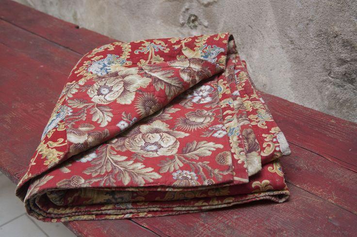 Antik Fransk sengetæppe - rødt
