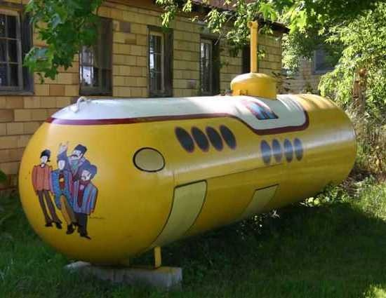 Yellow Submarine, Propane Tank. Sweet!The Beatles, Ideas, Yellow Submarines, Yard Art, Propane Tanks, Gardens Spaces, Stuffed French Toast, Yards Art, Painting