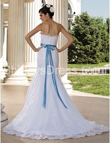 Trumpet/ Mermaid Strapless Court Train Lace Wedding Dress