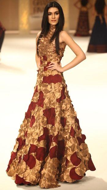 Rohit Bal Collection at Lakme Fashion Week 2011