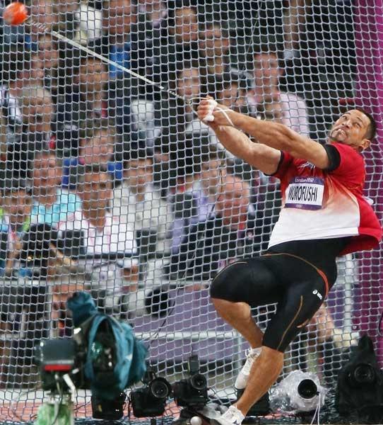 陸上男子ハンマー投げで、室伏広治(ミズノ)が3位となり、2大会ぶりのメダルを獲得した(2012年08月05日) 【撮影=喜多信司】