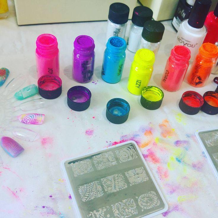 Experimentation getting out of hands  #pkaymua  #bishopsstortford #hertfordshire #essex #makeup #photographer  #photoshoot #wedding #studio #hair #beauty #bridal  #weddingmakeup #prom #essexwedding #cambridge #sawbridgeworth #stansted #takeley #hatfieldheath #magpiebeauty http://gelinshop.com/ipost/1520363929800722964/?code=BUZavBdFsoU