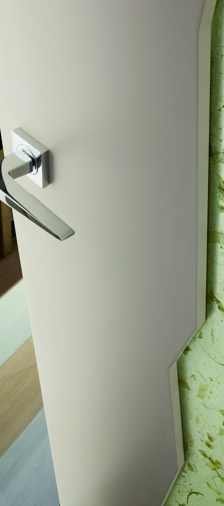 Bold lines that combine strenght and serenity. #handle #design #interiordesign #doors #home
