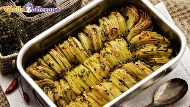 Ricetta Teglia di patate arrosto - Le Ricette di GialloZafferano.it