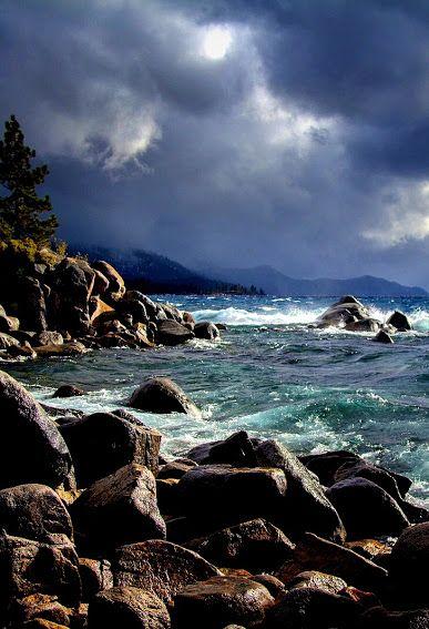 Непогода. Озеро Тахо. Невада, Калифорния. США.