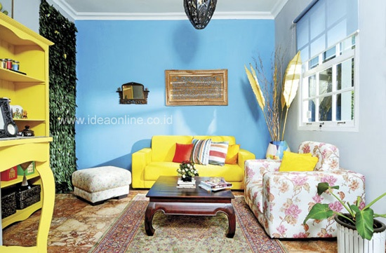 Living Room with Multiple Color. Photographer: iDEA/Adeline Krisanti