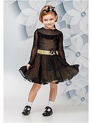 Платье BiBi DeLuxe.  Нарядное платье с длинным рукавом и пышной юбкой. Ткань с вкраплением золотистого мягкого не колющегося люрекса. Платье приталенного силуэта с рюшей по полочке. Полочка и спинка изделия выполнена с хлопковой трикотажной подкладкой. Юбка из сетки с двухслойным подъюбником: первый слой (к телу) из хлопкового трикотажа с рюшей второй слой(средний) из сетки с рюшами для создания пышности. В комплекте есть декоративный золотой пояс- резинка и повязка на голову с бантиками. В…