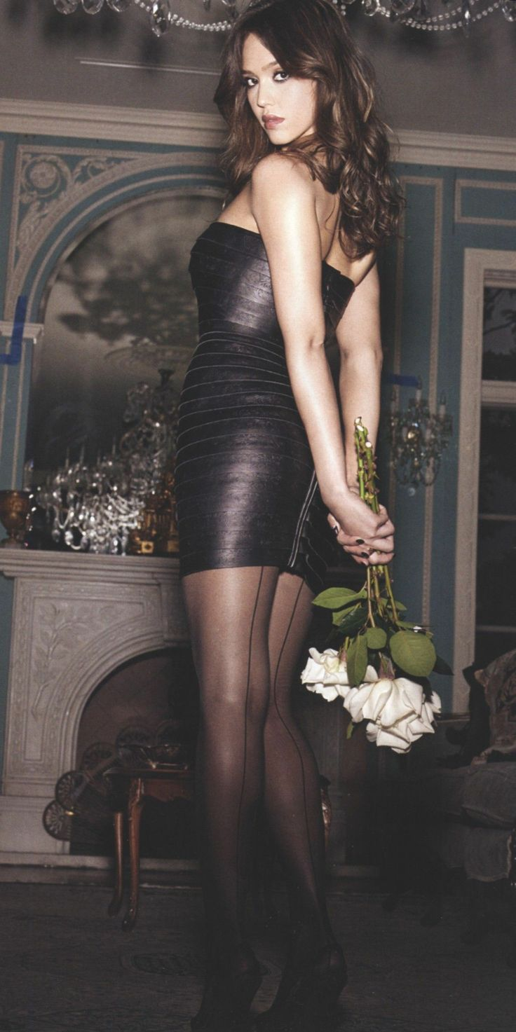 Jessica Alba In Pantyhose 106
