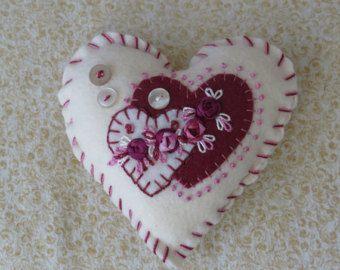 Triple corazón perno amortiguador Kit, cinta de seda bordado, apliques corazones.