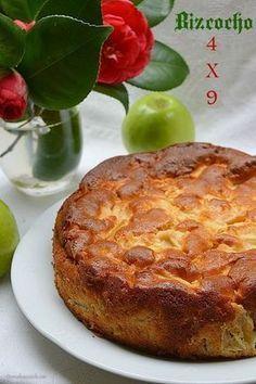 Un bizcocho de Manzana  delicioso, super fácil de preparar y donde se hace uso de una cuchara sopera para medir las cantidades, sin necesidad de utiliza...