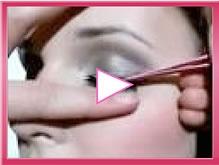 how to apply eyelashes