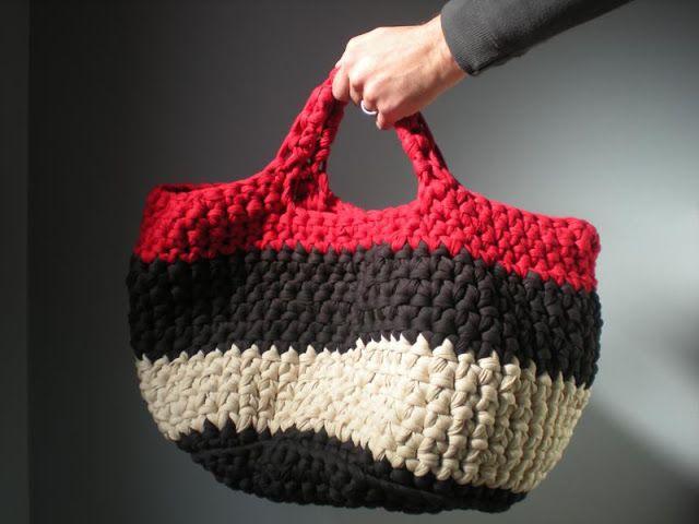 mi mundo de la lana: tutorial de cómo hacer una gran cesta con trapillo
