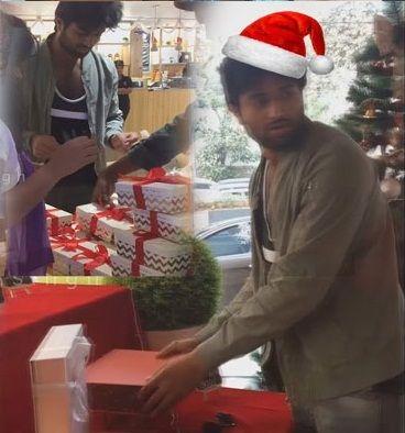 Arjun Reddy fame Vijay Devarakonda surprises college students with Gifts #college