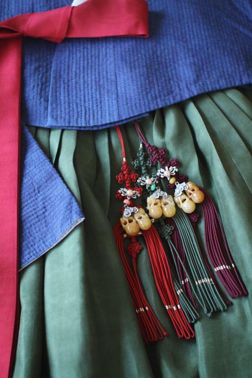 쪽빛 천연염색 손누비 저고리 / 한복린 치마 : 네이버 블로그