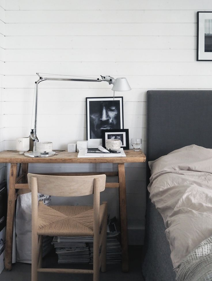 I dream about redo our bedroom in a more contemporary style with a low bed and a beige color scheme. The Pebble bedlinen from Midnatt sets the sense of style in the right direction.