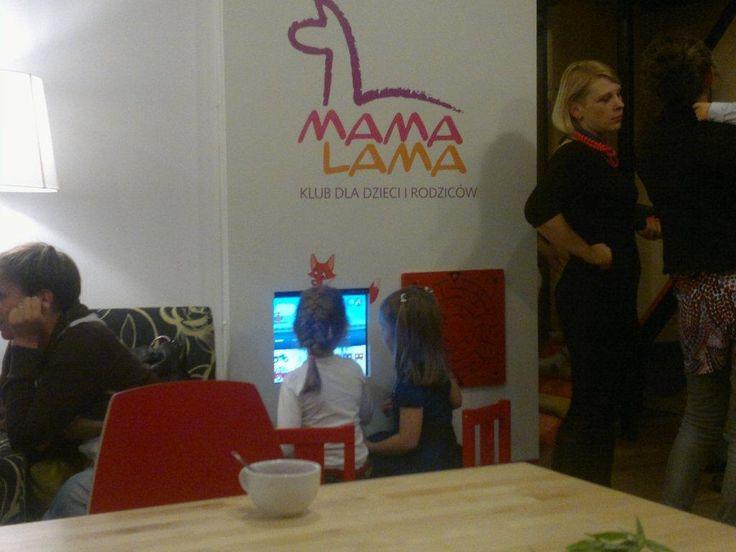Terminal Foxbox z zabudową w kawiarni dla rodziców z dziećmi
