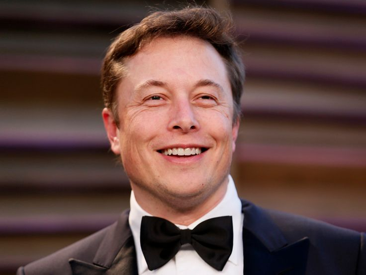 """Elon Musk showed up to a beach party with Leonardo DiCaprio and Orlando Bloom wearing a suit - Elon Musk may be a genius and a billionaire, but his beach party attire could use some work.  In the July 7 episode of Vanity Fair's """"In the Limelight"""" podcast , entertainment writers Josh Duboff and Julie Miller detailed a star-studded beach party they attended in Malibu the weekend before July 4.  Among the celebrity guests were Leonardo DiCaprio, Orlando Bloom, and Elon Musk — in a suit.  In…"""