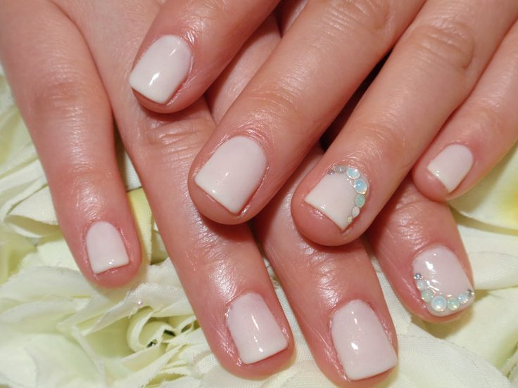 Simply wedding ivory nails