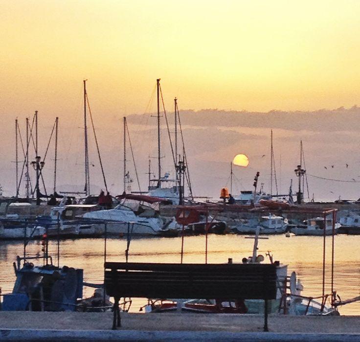 Sunset in port.  Ph. Laura Novel