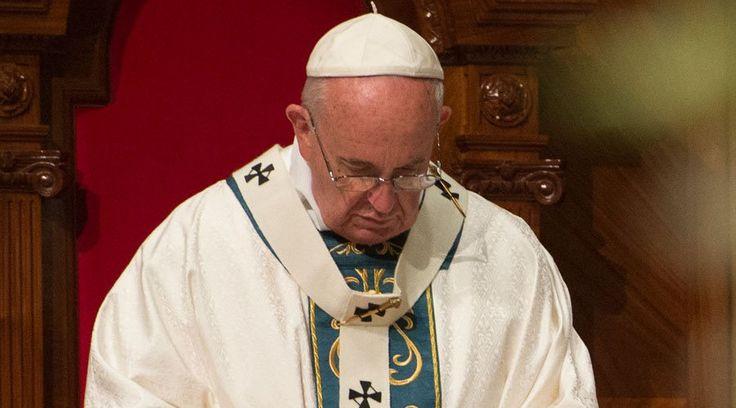 VATICANO, 05 Mar. 16 / 04:59 am (ACI).-   El Papa Francisco ha mostrado su conmoción y tristeza por el asesinado de tres Misioneras de la Caridad, –la Congregación fundada por la Beata MadreTeresa de Calcuta,junto a otras doce personas (varios de ellos ancianos), por presuntos terroristas que ingresaron al convento de Aden (Yemen), donde está situado el albergue de ancianos que administran las monjas.